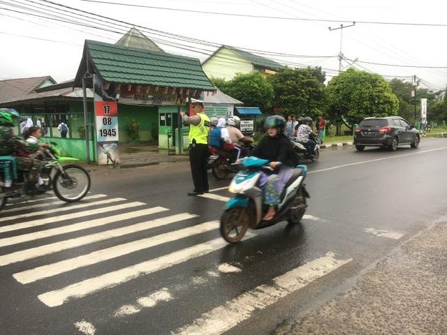Pelayanan Pagi Satlantas Ketapang, Berikan yang Bermanfaat kepada Masyarakat Kota Ketapang
