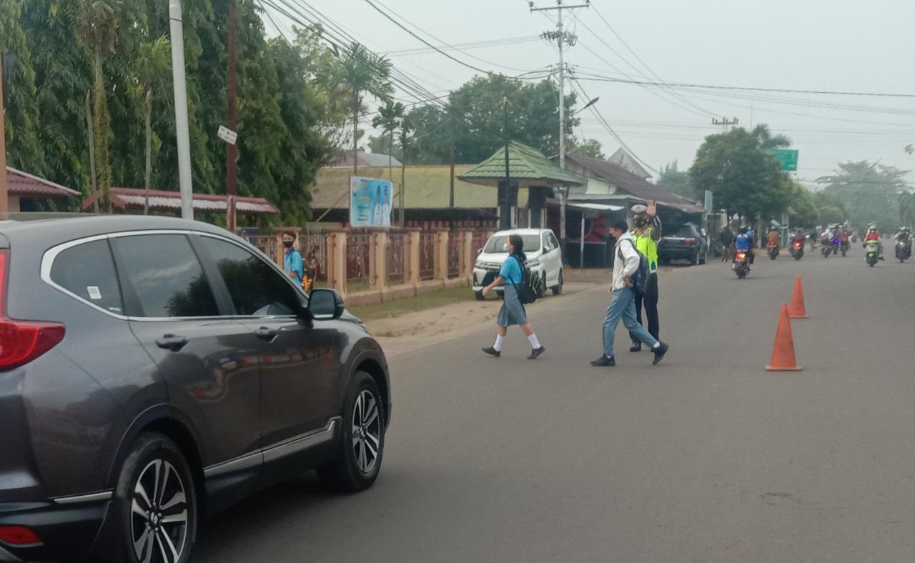 Gatur Lalin dipagi Hari di Zona Aman Sekolah