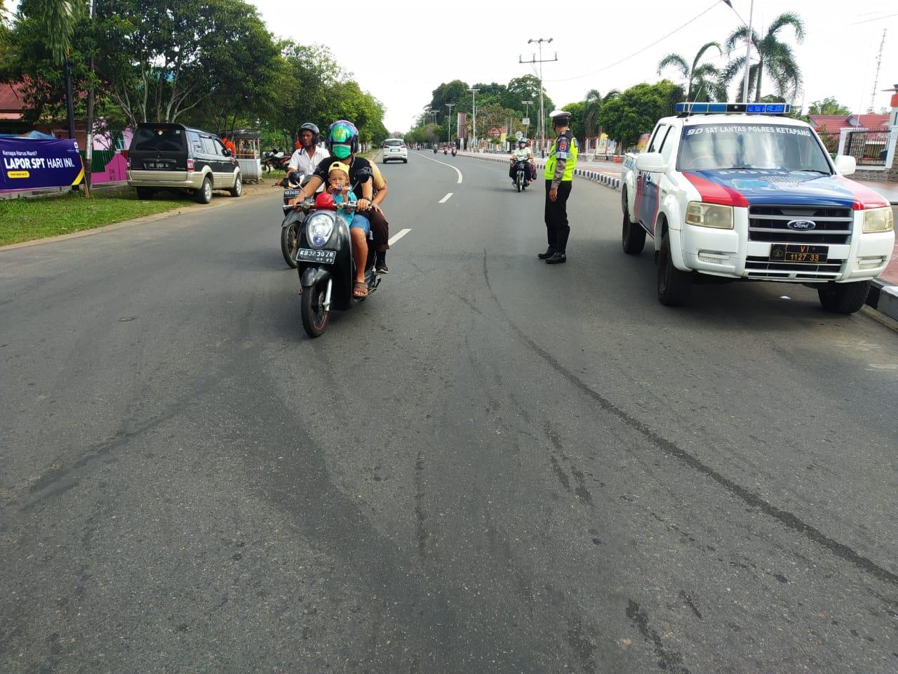 Patroli Siang Satlantas Ketapang Cegah Terjadinya Kemacetan Arus Lalu Lintas