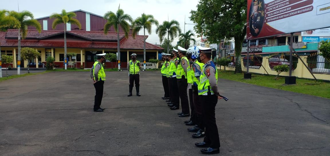 Anggota Sat Lantas Polres Ketapang Laksanakan Apel pagi