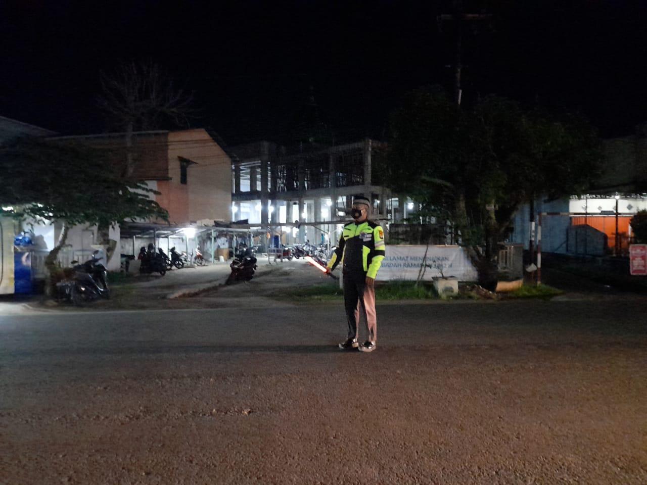 Pam Sholat Terawih di Masjid Area Ketapang