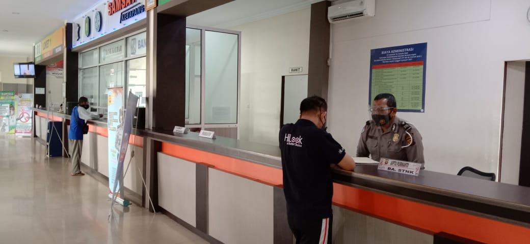 Pelayanan samsat Ketapang tetap buka, petugas pelayanan himbau terapkan protokol kesehatan