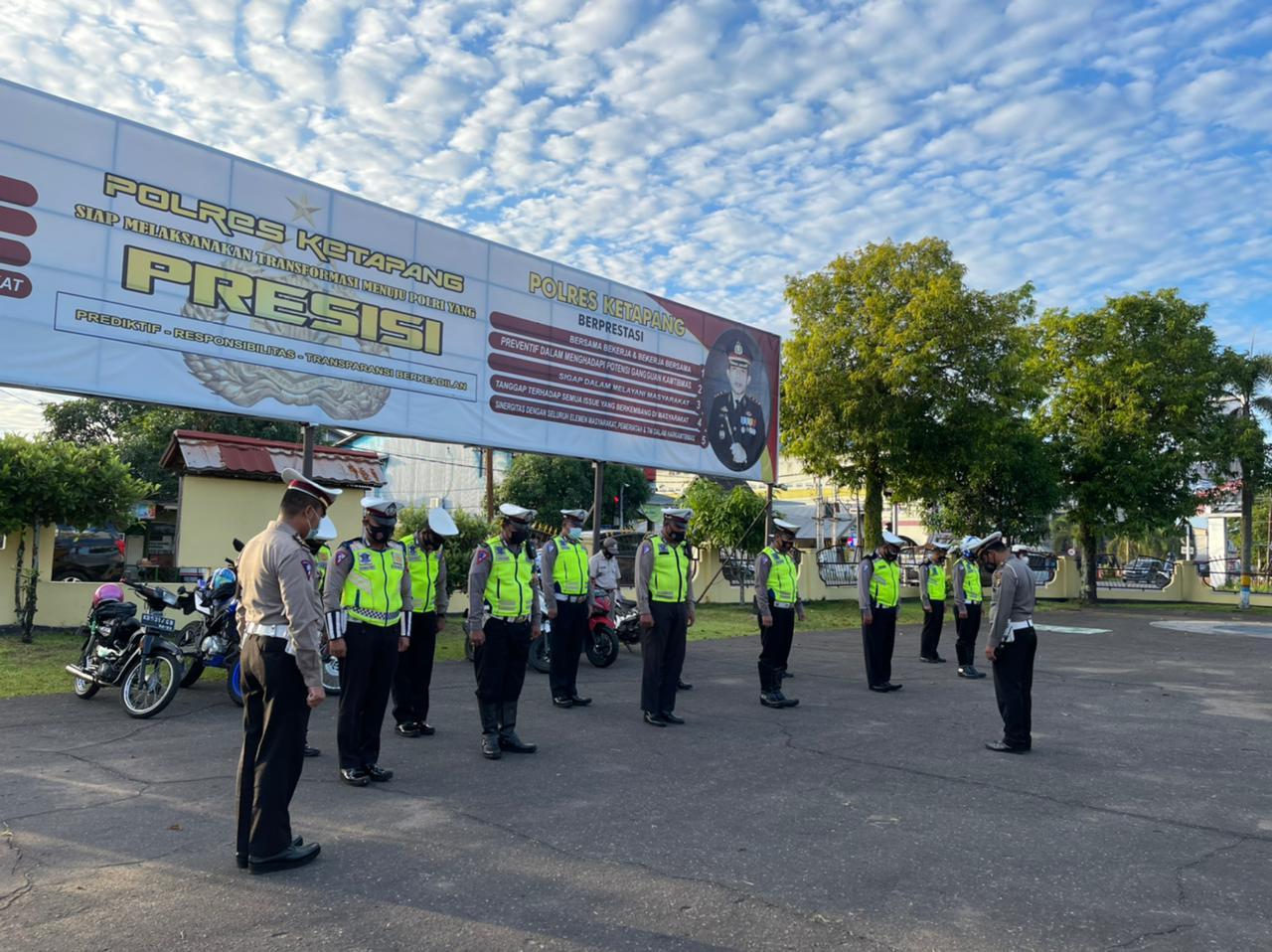 Tingkatkan Disiplin Anggota Satlantas Ketapang Laksanakan Apel Pagi
