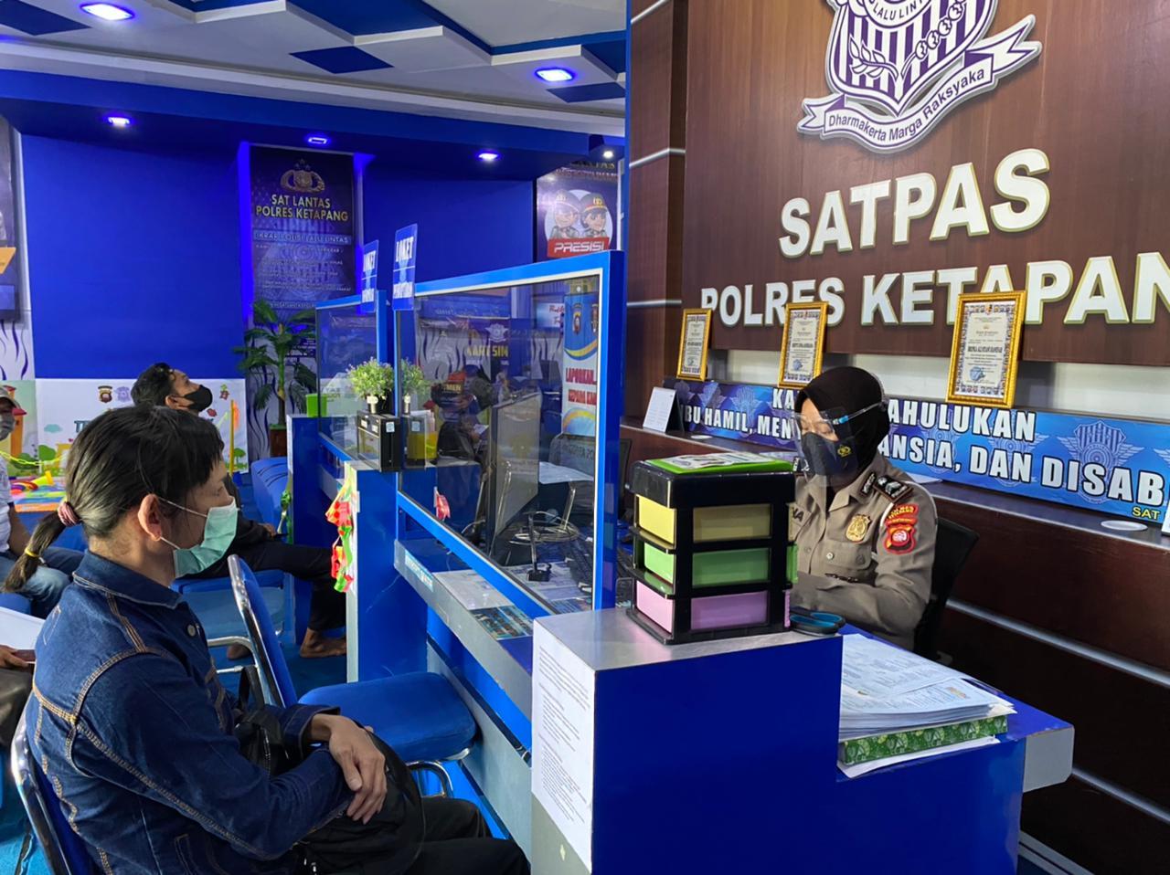 Pelayanan satpas Ketapang tetap terapkan protokol kesehatan pencegahan covid 19