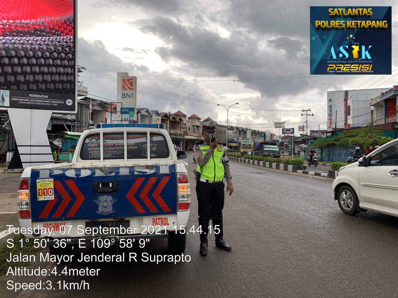 Sat Lantas Melaksanakan Giat Patroli Sore Di Sekitar Kota Ketapang