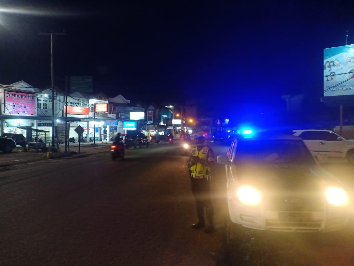 Piket Patwal Sat Lantas Melaksanakan giat BLP (Blue Light Patrol)