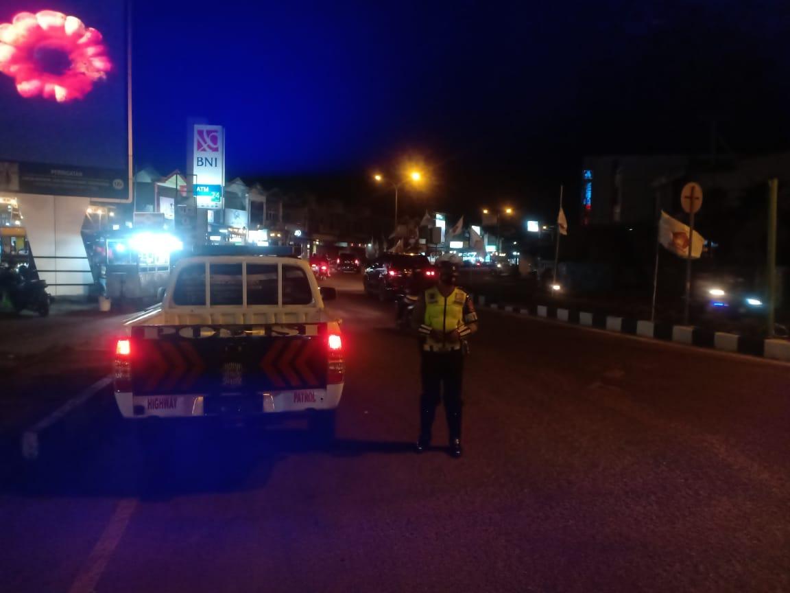 Patwal Sat Lantas Melaksanakan giat BLP (Blue Light Patrol) dan Patroli Malam
