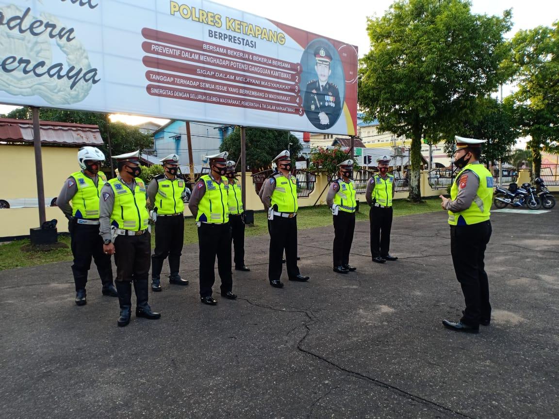 Tingkatkan Disiplin,Anggota Sat Lantas Polres Ketapang Laksanakan Apel Pagi Hari