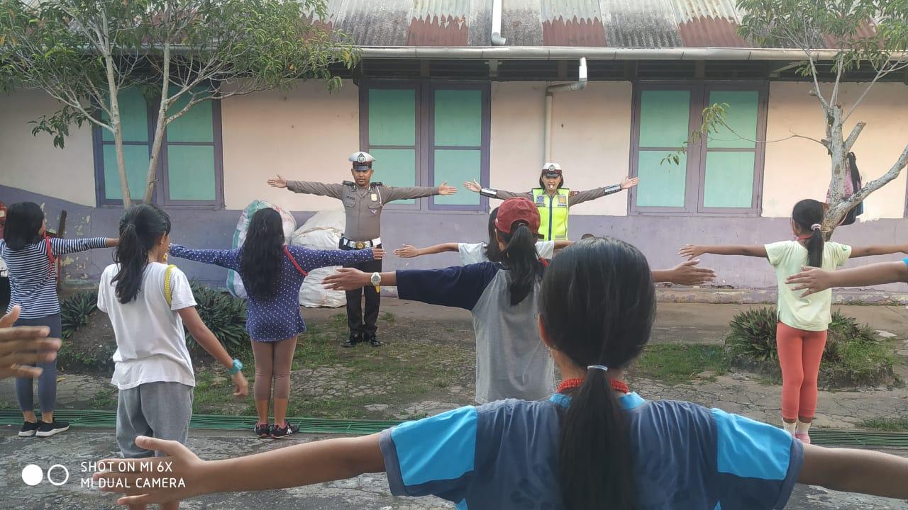 Polwan Satlantas Polres Ketapang Berikan Pelatihan PKS (Patroli Keamanan Sekolah)