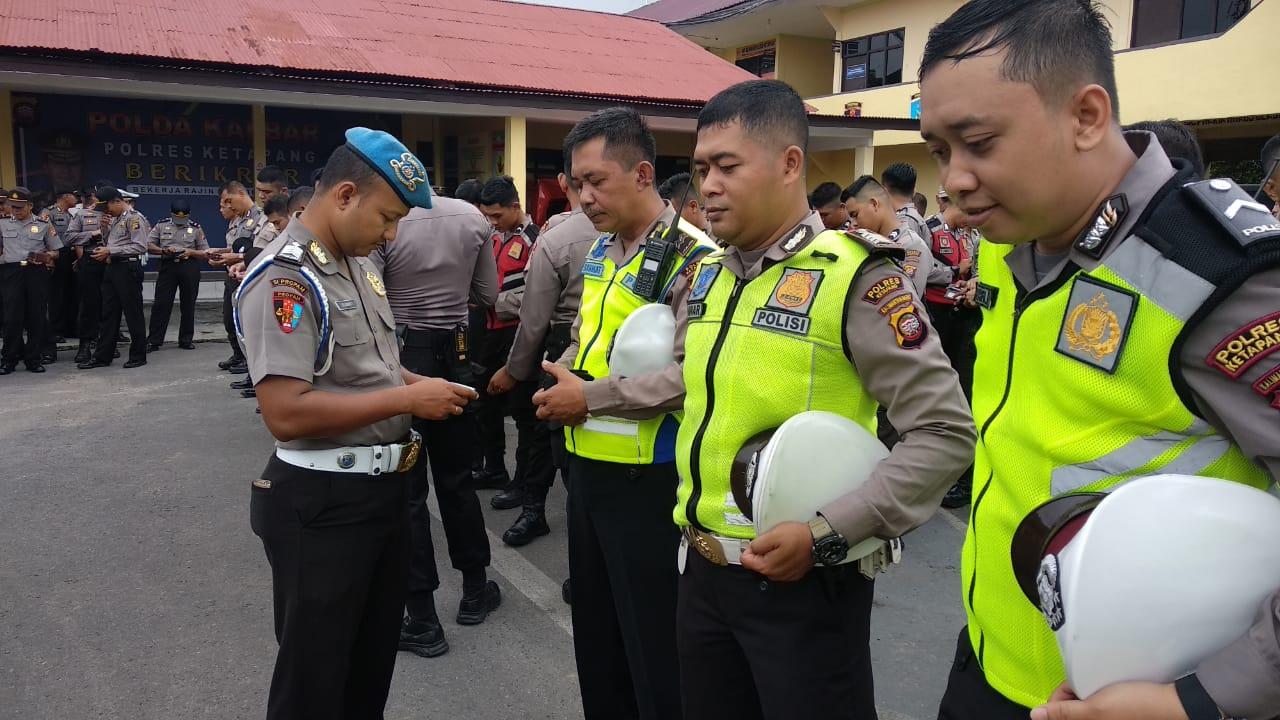 Pemeriksaan Perlengkapan Personel dan sikap Tampang sebagai Upaya Pembinaan Internal anggota Lantas