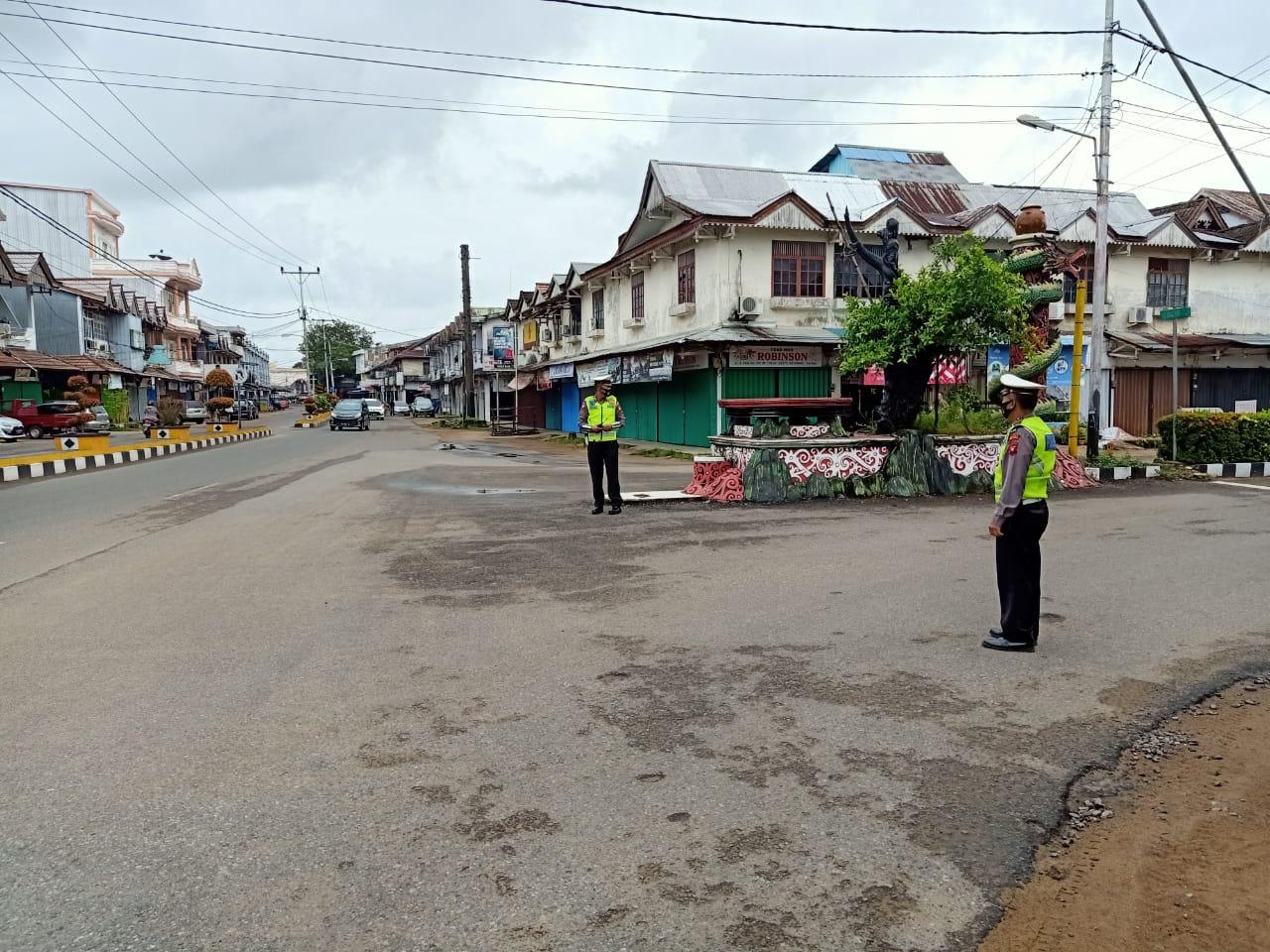 Cuaca Hujan,Tak Mengurangi Semangat Polisi Untuk Patroli Pagi