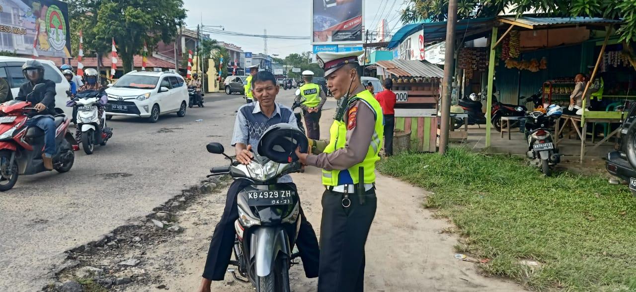 Polisi Tertibkan Pengendara Tidak Pakai Helm