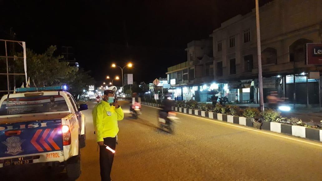 Patroli malam Satlantas Ketapang, berikan rasa aman dan nyaman kepada masyarkat pengguna jalan