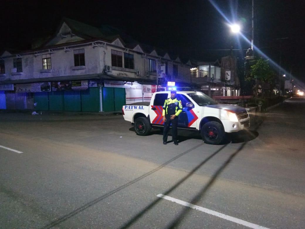 Seperti Tak Kenal Waktu, Satlantas Polres Ketapang Rutin Patroli Di Malam Hari