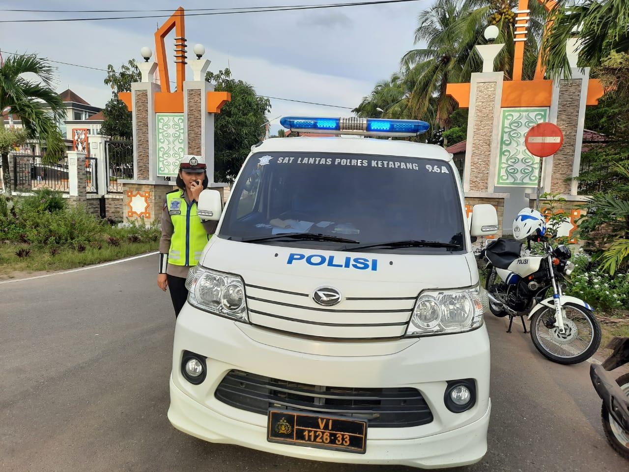 "Srikandi Satlantas Polres Ketapang Gugah Kesadaran Tertib Lalu Lintas dengan ""Penling"""