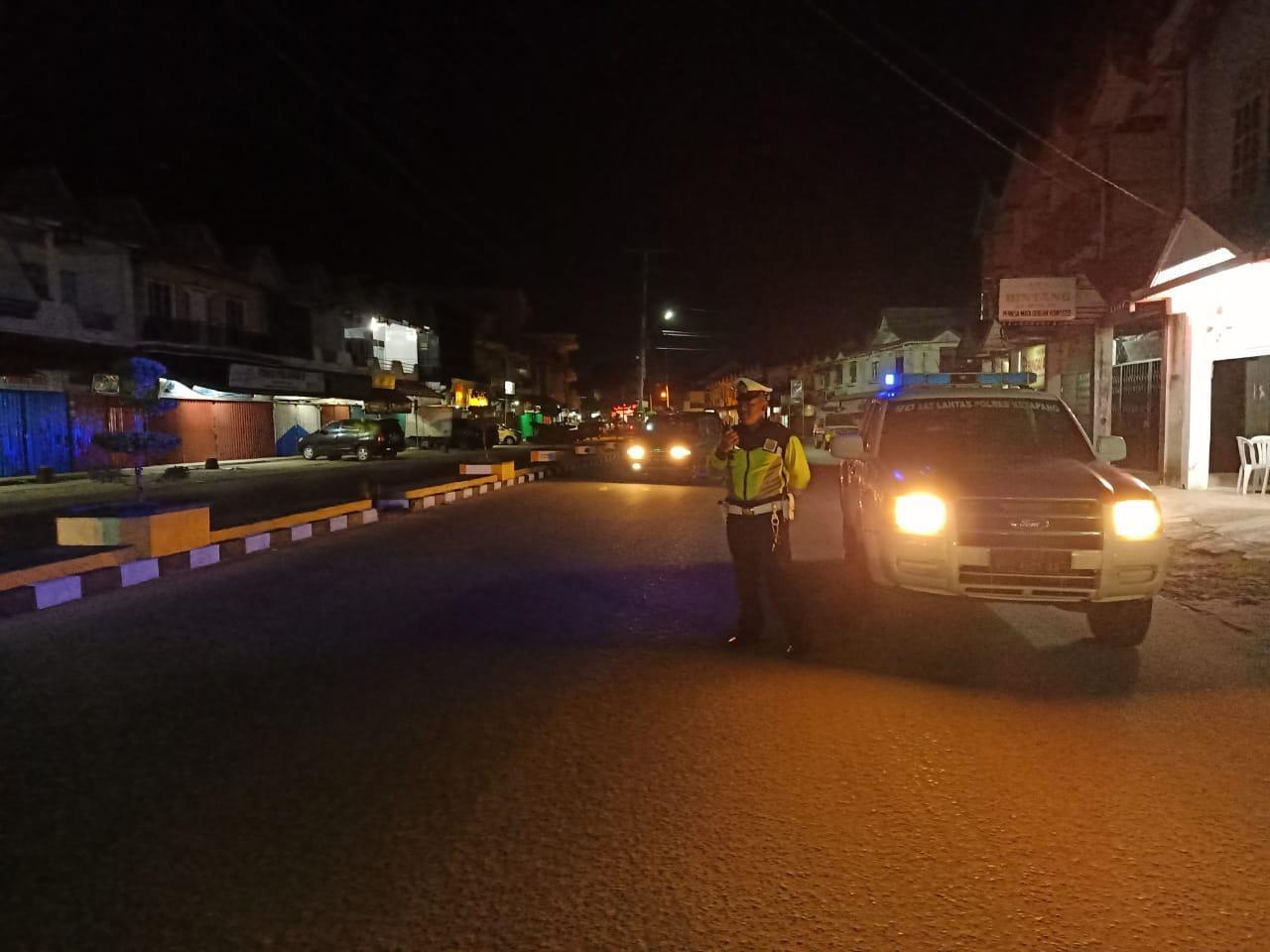 Memastikan Keamanan Wilayah, Sat Lantas Polres Ketapang Laksanakan Giat Patroli Malam Hari