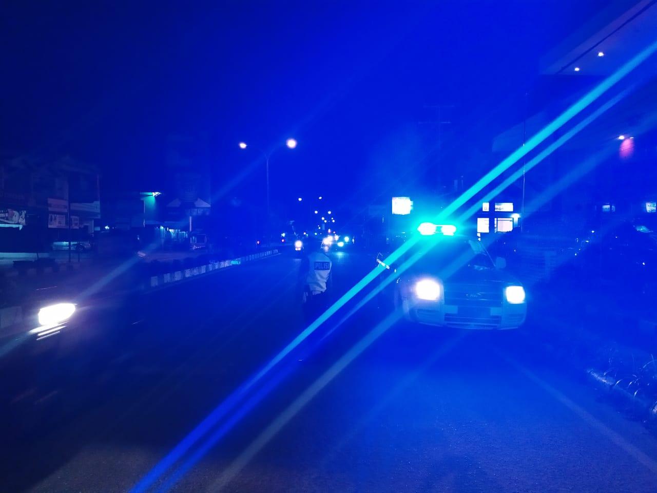 Cegah Aksi Balap Liar, Satlantas Polres Ketapng Patroli Suar Biru