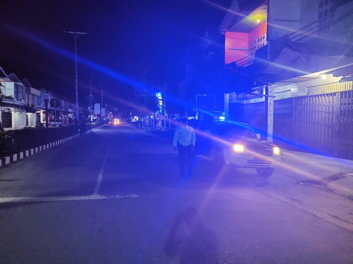 Personil Sat Lantas Ketapang Patroli Ke Pertokoan Malam Hari