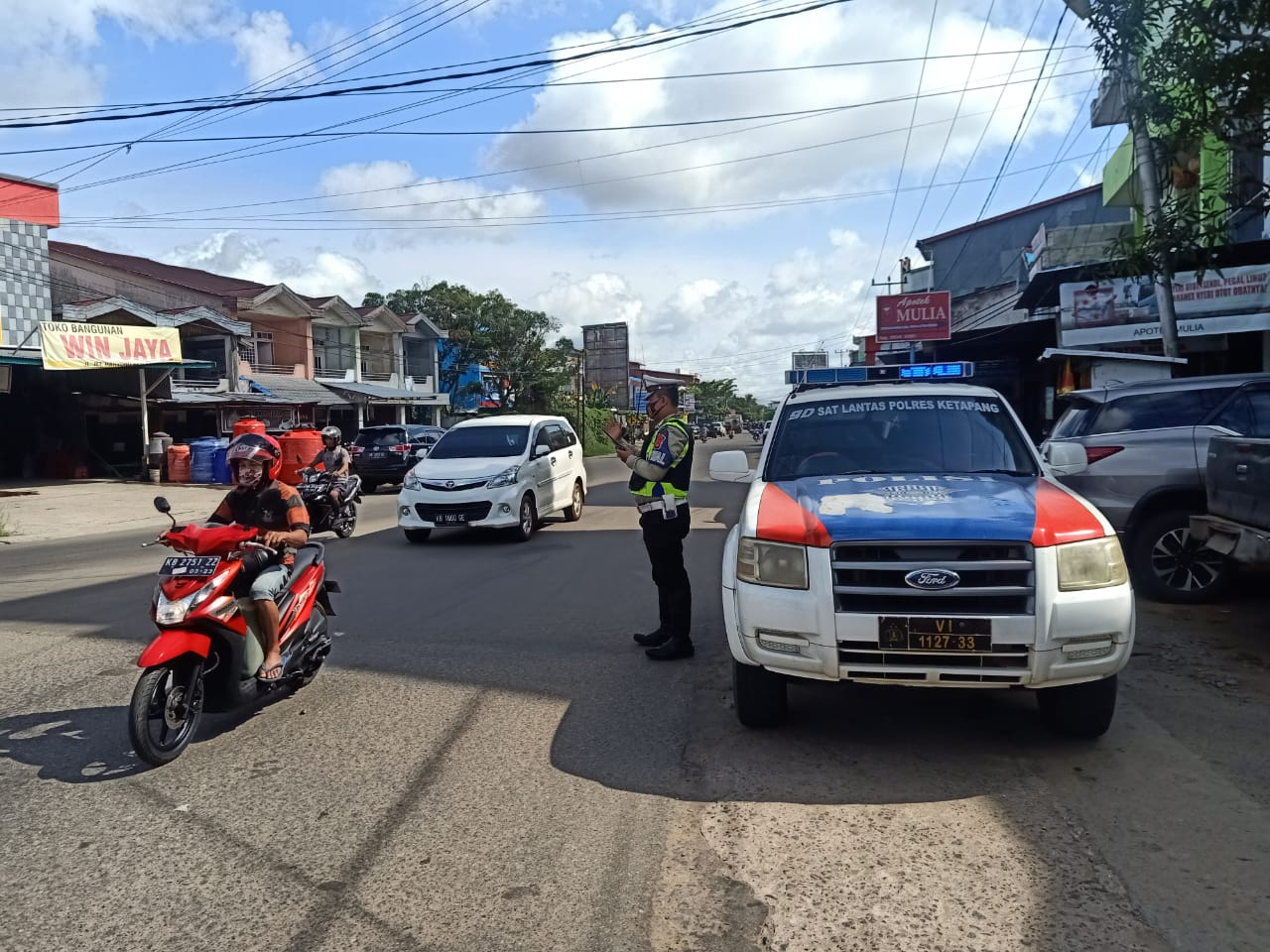 Satlantas Polres Ketapang Terus Lakukan Patroli di Beberapa Titik Rawan Laka Dan Langgar