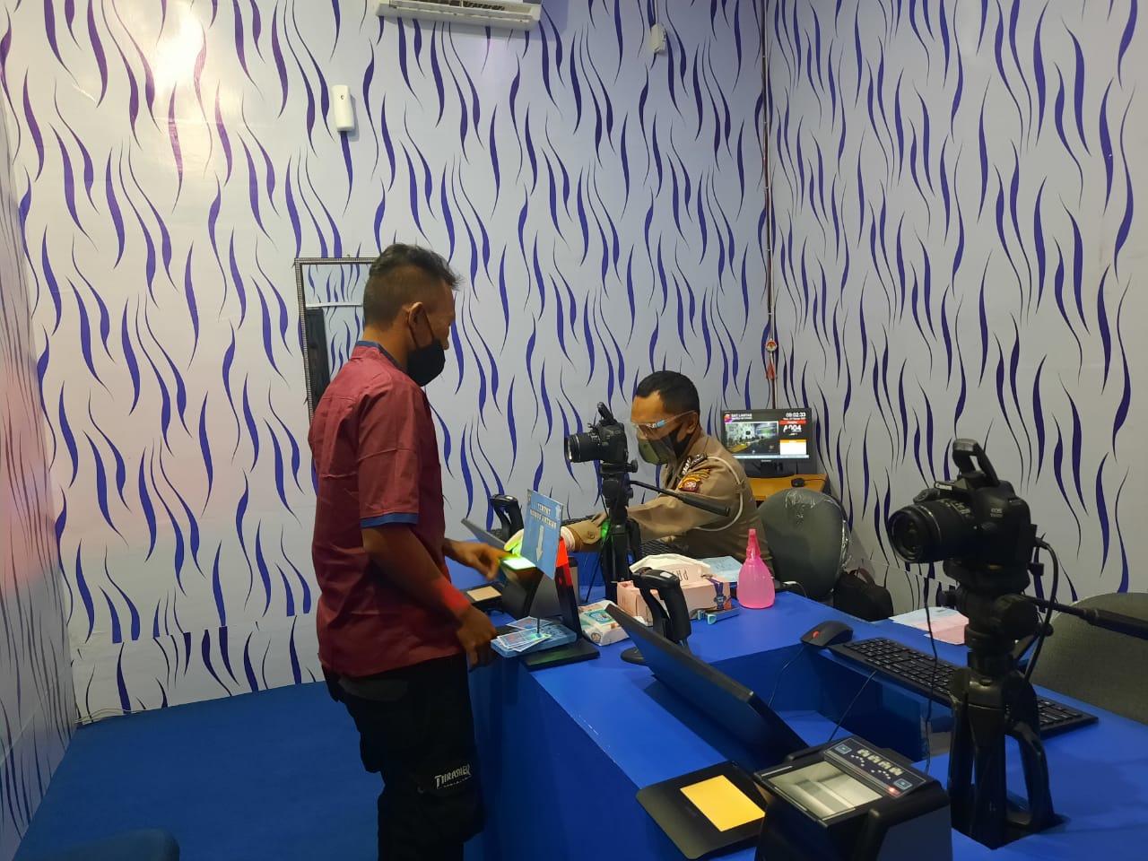 Pelaksanakan Proses Identifikasi SIM Guna Melengkapi Data Forensik Kepolisian