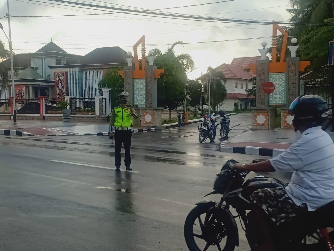 Pengaturan arus lalu lintas lagi hari, wujud pelayanan polantas kepada masyarkat Kota Ketapang