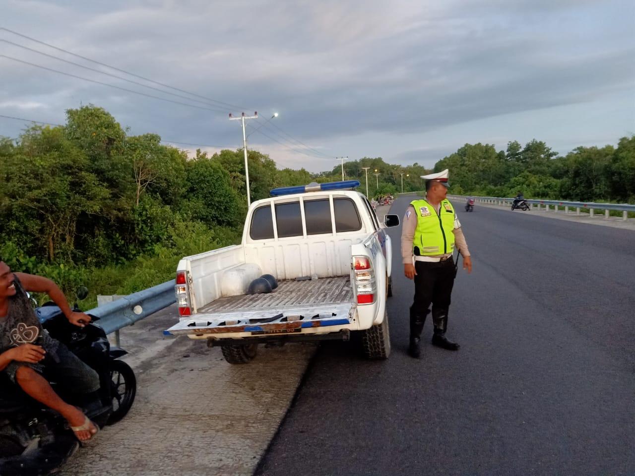 Satlantas Polres Ketapang Jaga Jembatan Kuning Antisipasi Balapan Liar