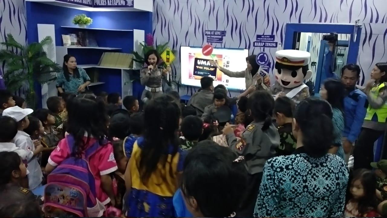 Melalui Polisi Sahabat Anak , TK Santa Theresia Kunjungi Satlantas Polres Ketapang