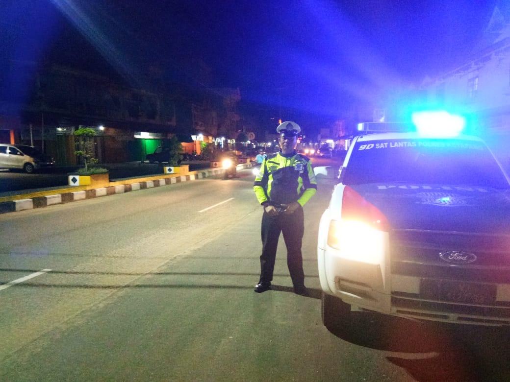 Ciptakan kondisi aman, tujuan utama patroli malam hari personil Sat Lantas Ketapang