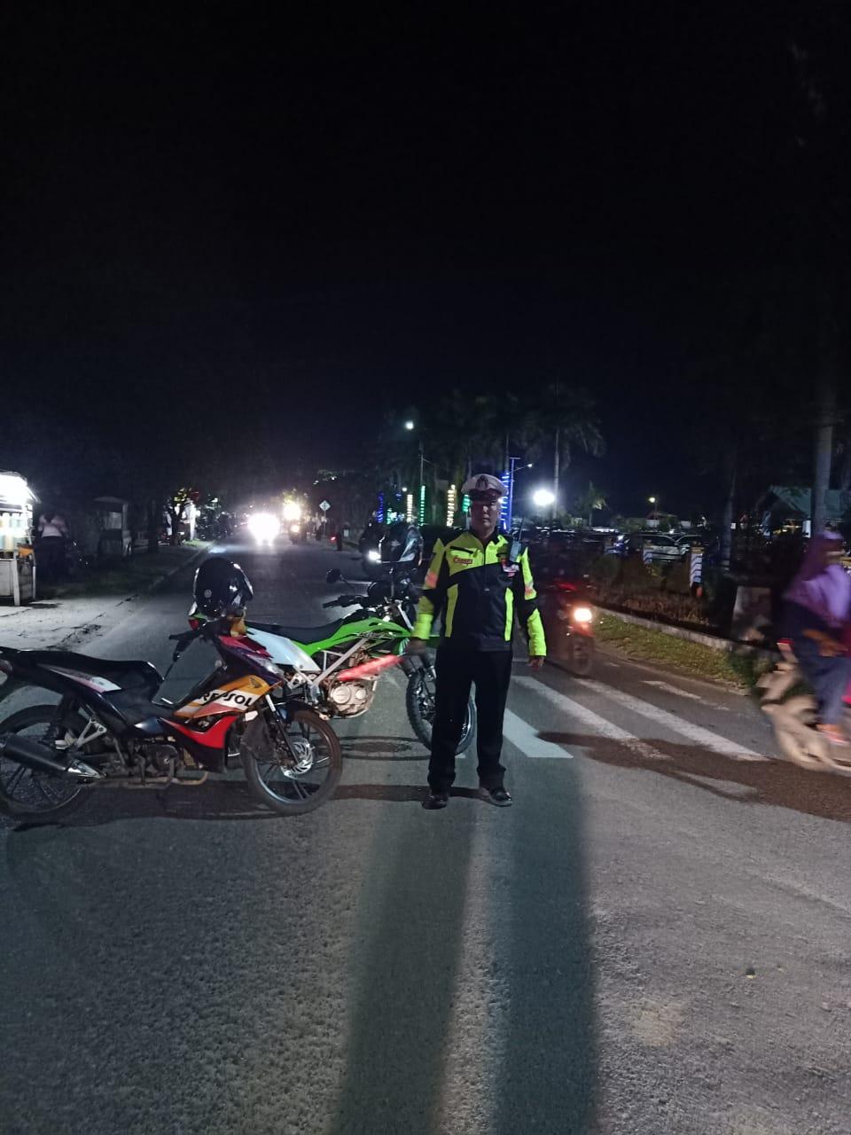 Sat Lantas Polres Ketapang Laksanakan Pengamanan Acara Malam Ramah Tamah Hut Kabupaten Ketapang Ke 6