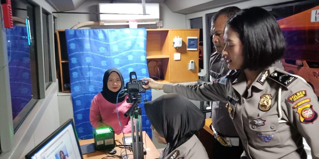 SIM Keliling Polres Ketapang di Penruntukkan Bagi Pemohon SIM Perpanjangan
