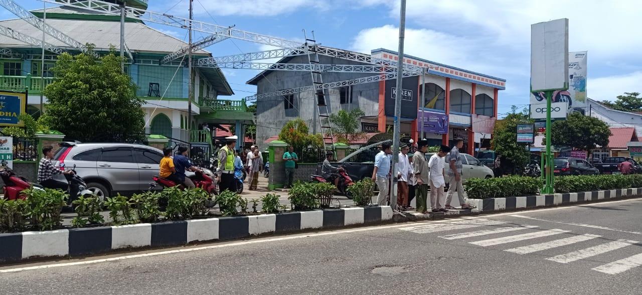 Pengamanan Sholat Jumat di Jalur R. Suprapto Kota Ketapang