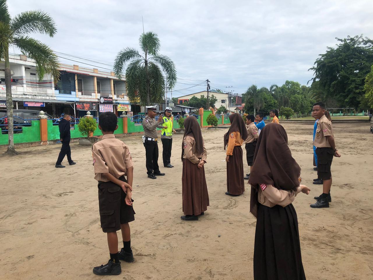 Latihan Patroli Keamanan Sekolah (PKS) Tingkat SMP