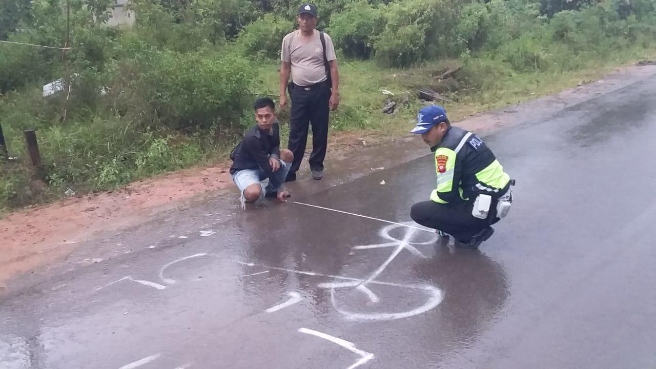 Olah TKP Laka Lintas Jalan Raya Tumbang Titi - Jelai Hulu