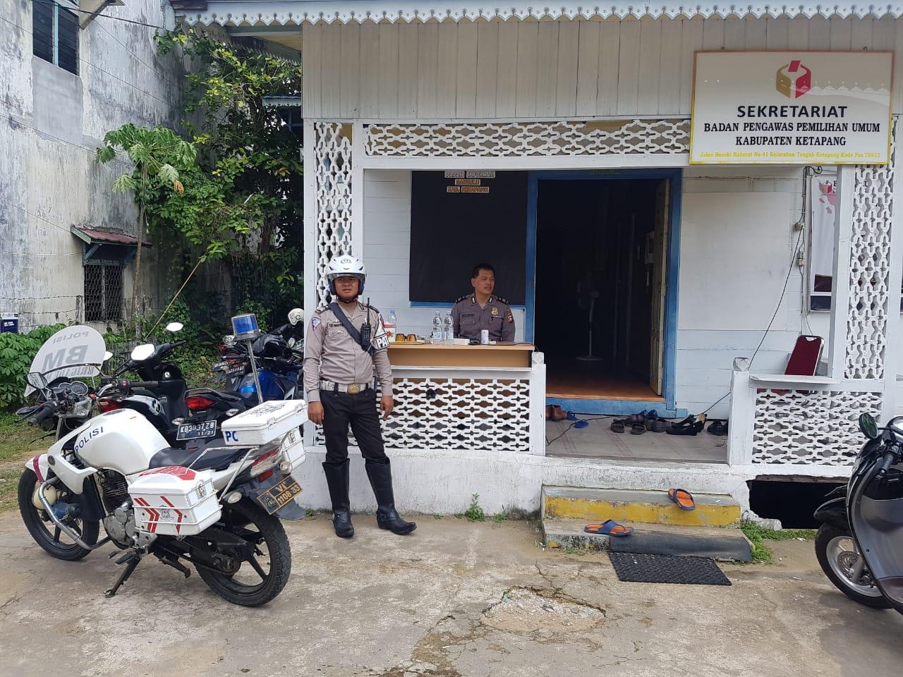 Unit Turjawali Lantas sambangi kantor Bawaslu Ketapang