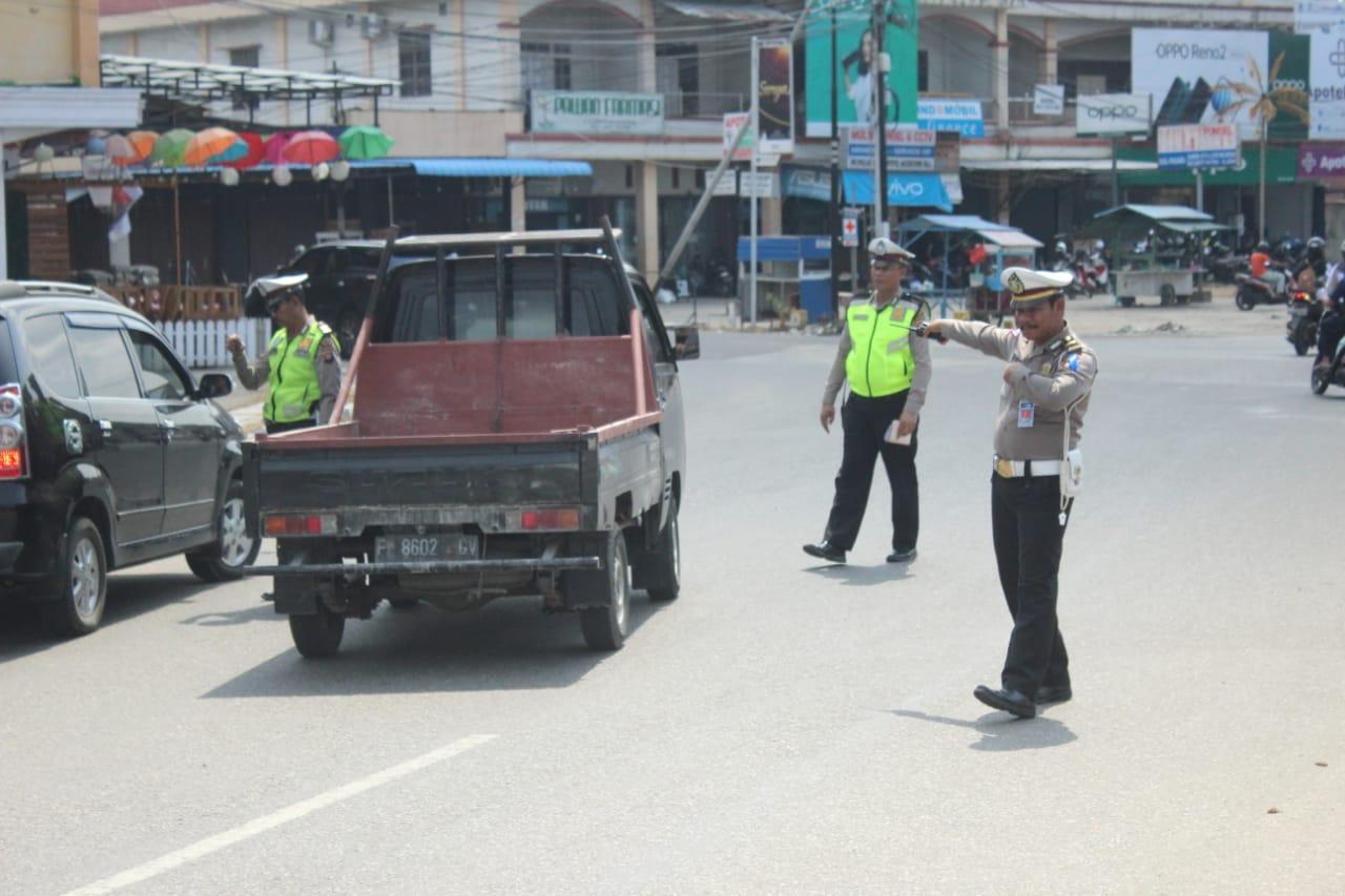 Kendaraan luar kalbar yang beroperasi di wilayah Ketapang haruslah segera dimutasikan plat Ketapang.