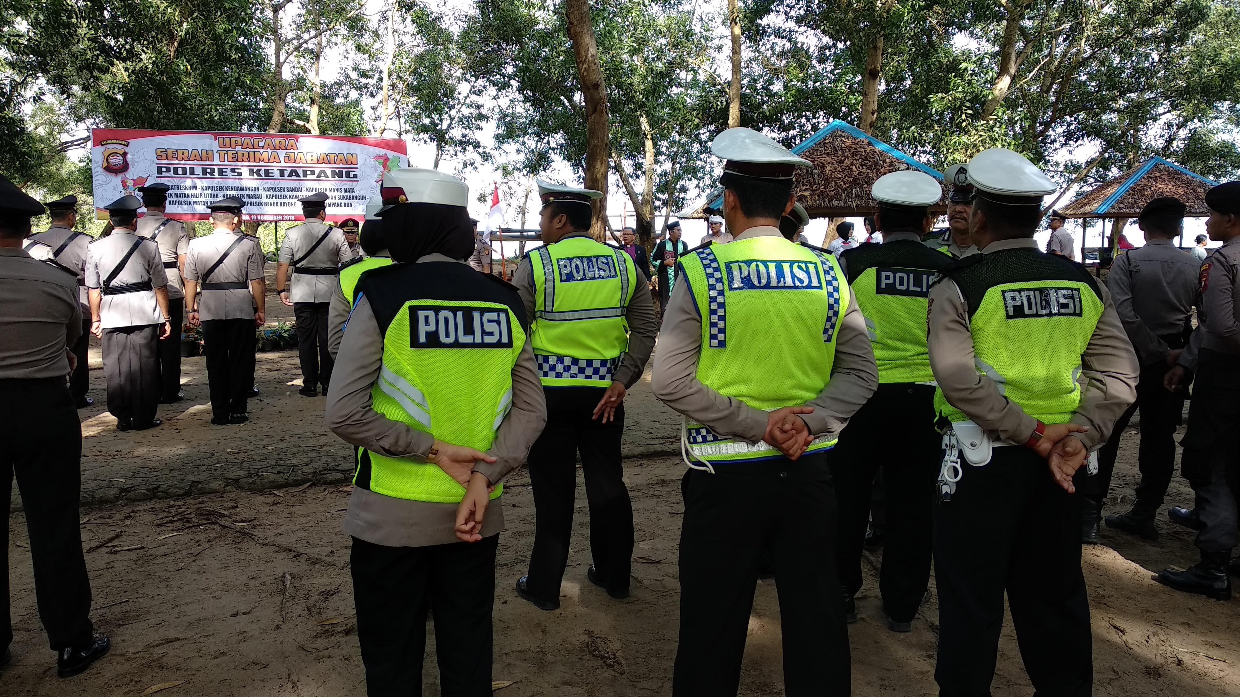 Ramai polisi dari Satlantas dan staf Polres, ini yang terjadi di pantai Air mata permai Ketapang