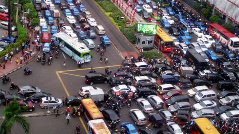 7 Tips Ampuh Mencegah Kecelakaan di Jalan Raya