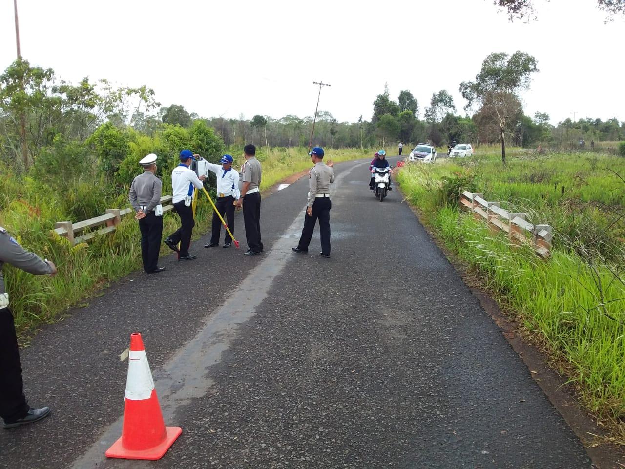 Olah TKP di Jalan Ketapang – Kendawangan Desa Pagar Mentimun, Polisi Gunakan Alat Canggih…
