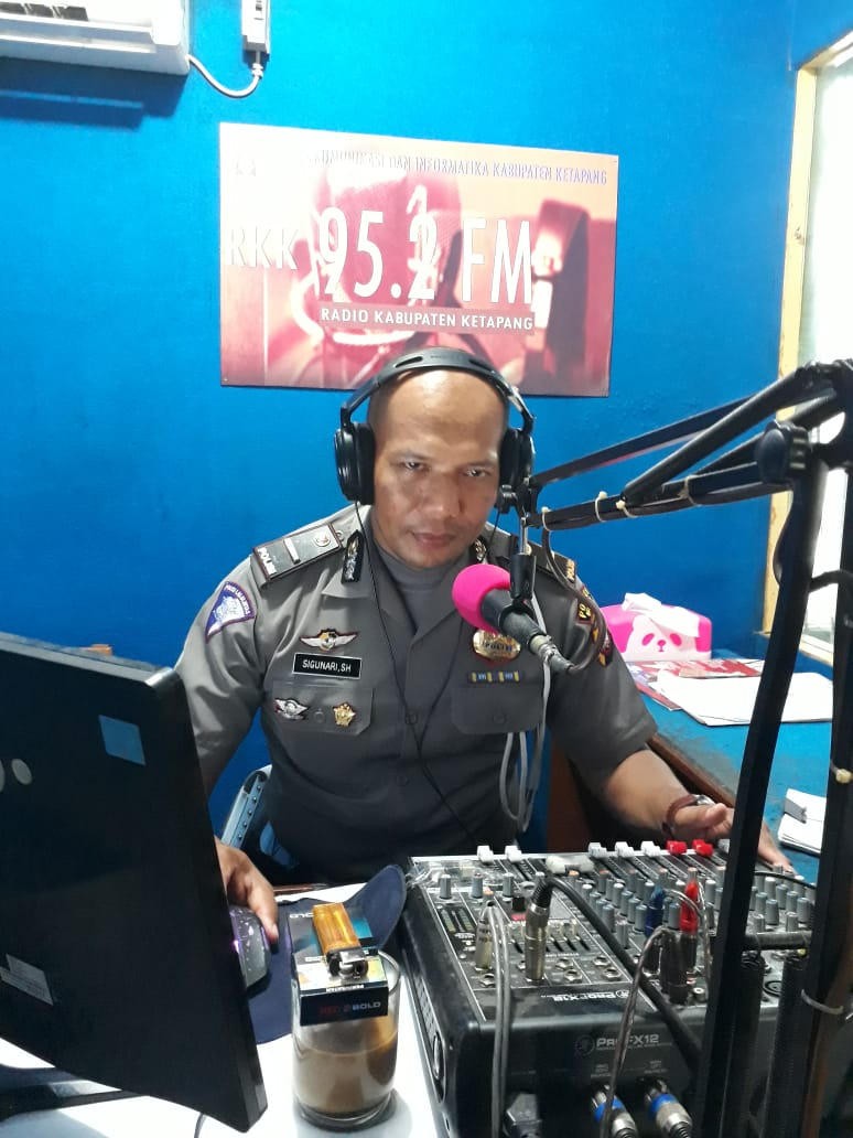 Himbauan melalui Radio terkait himbauan lalu lintas menjelang malam pergantian tahun baru 2019
