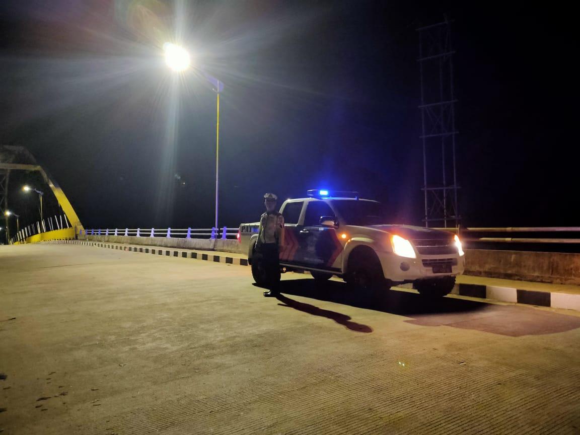 Giat rutin yang ditingkatkan, personil Satlantas Ketapang laksanakan patroli pada malam hari
