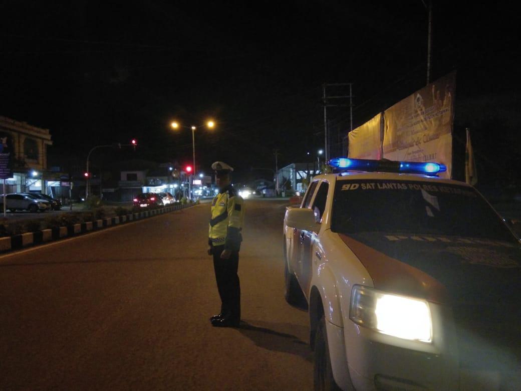 Memberikan Rasa Aman Kepada Masyarakat, Satlantas Gencar Lakukan Blue Light Patrol