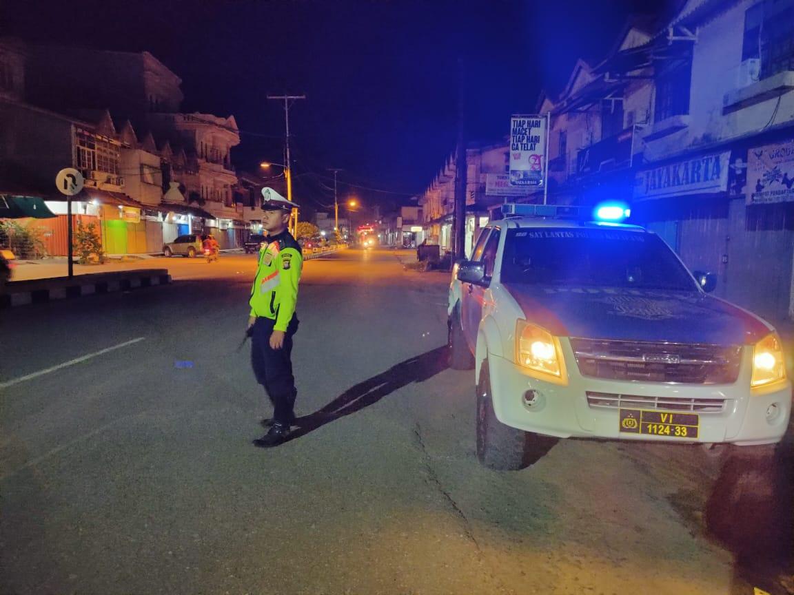 Patroli Malam Hari, Satlantas Ketapang Berikan Pelayanan yang Terbaik kepada Masyarakat Ketapang