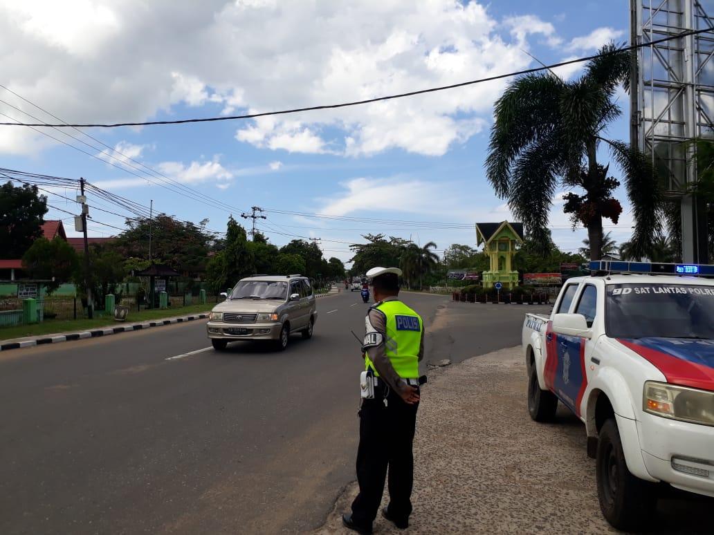 Piket Patwal Satuan Lantas Polres Ketapang Patroli Siang Hari