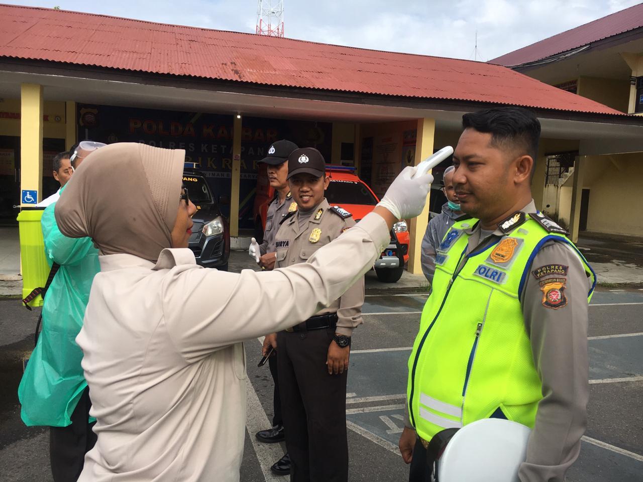 Cek Suhu Tubuh, Satlantas Polres Ketapang Pastikan Anggotanya Bebas Suspect Covid-19