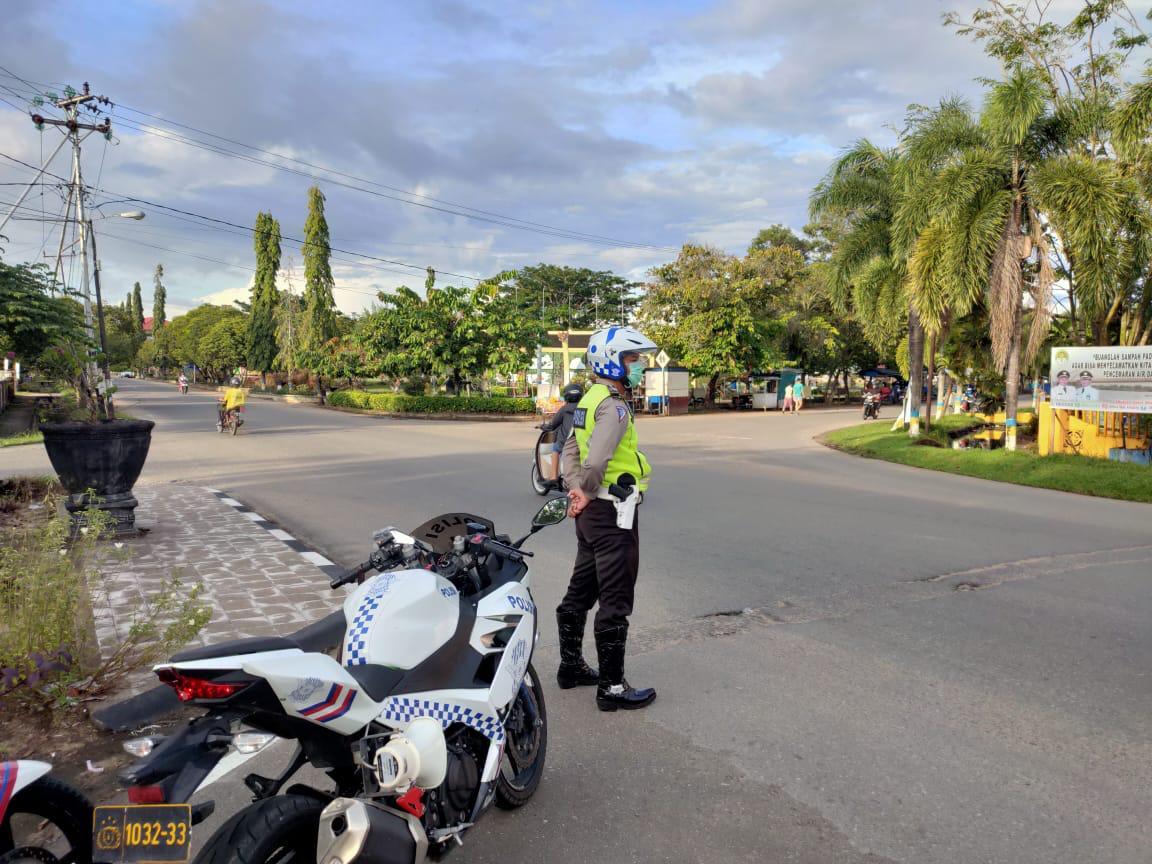Pelayanan pagi oleh anggota satlantas polres Ketapang