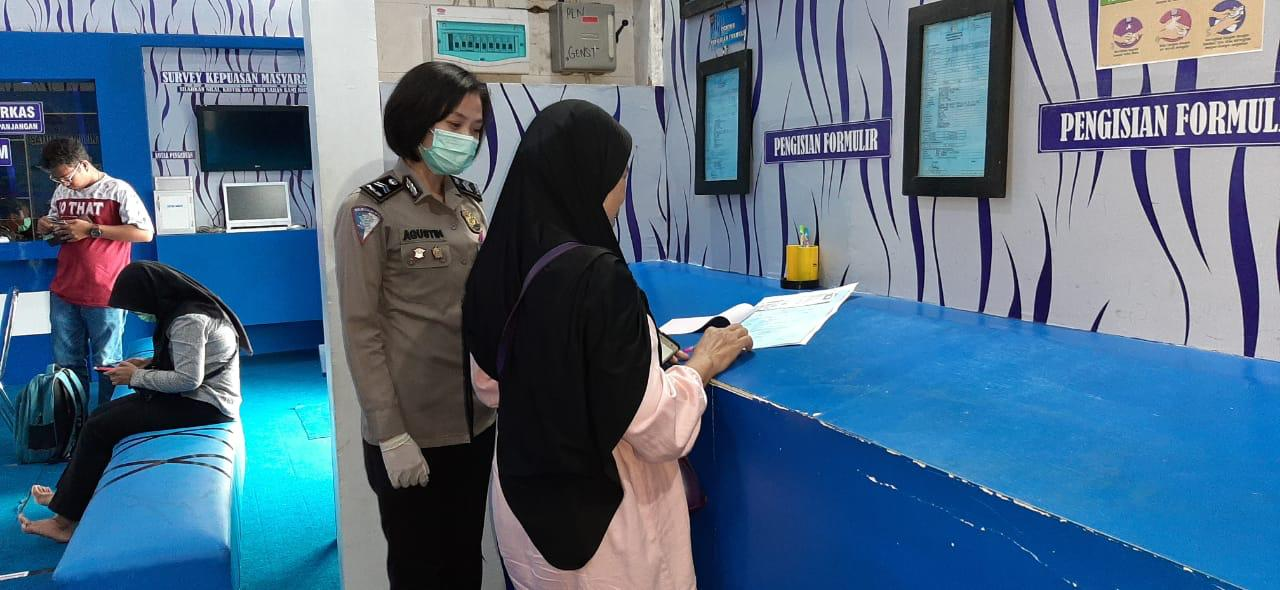 Tempatkan Polwan Sebagai Pemandu Informasi Pembuatan SIM