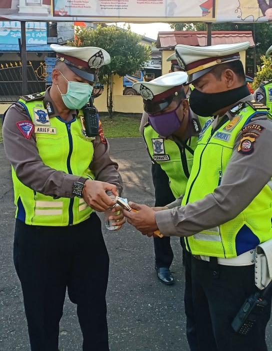 Polisi Lalu Lintas Diberikan Vitamin Selama Bertugas