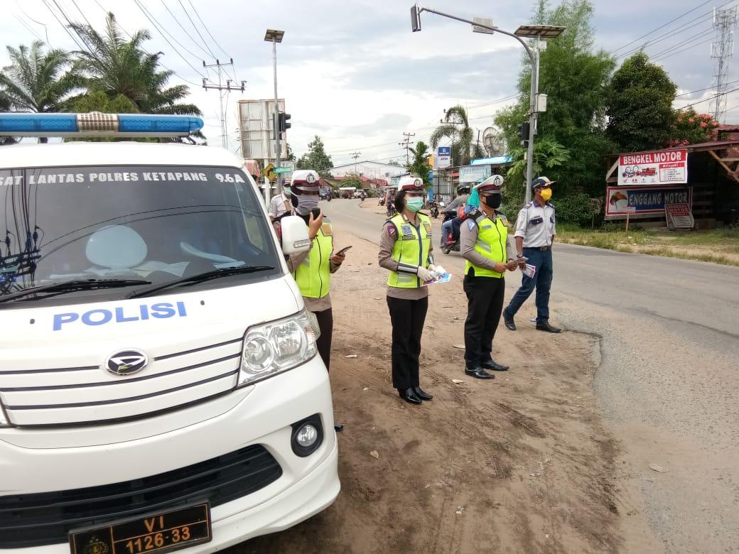 Cegah Virus Corona, Sat Lantas Polres Ketapang Sosialisasi di Jalan