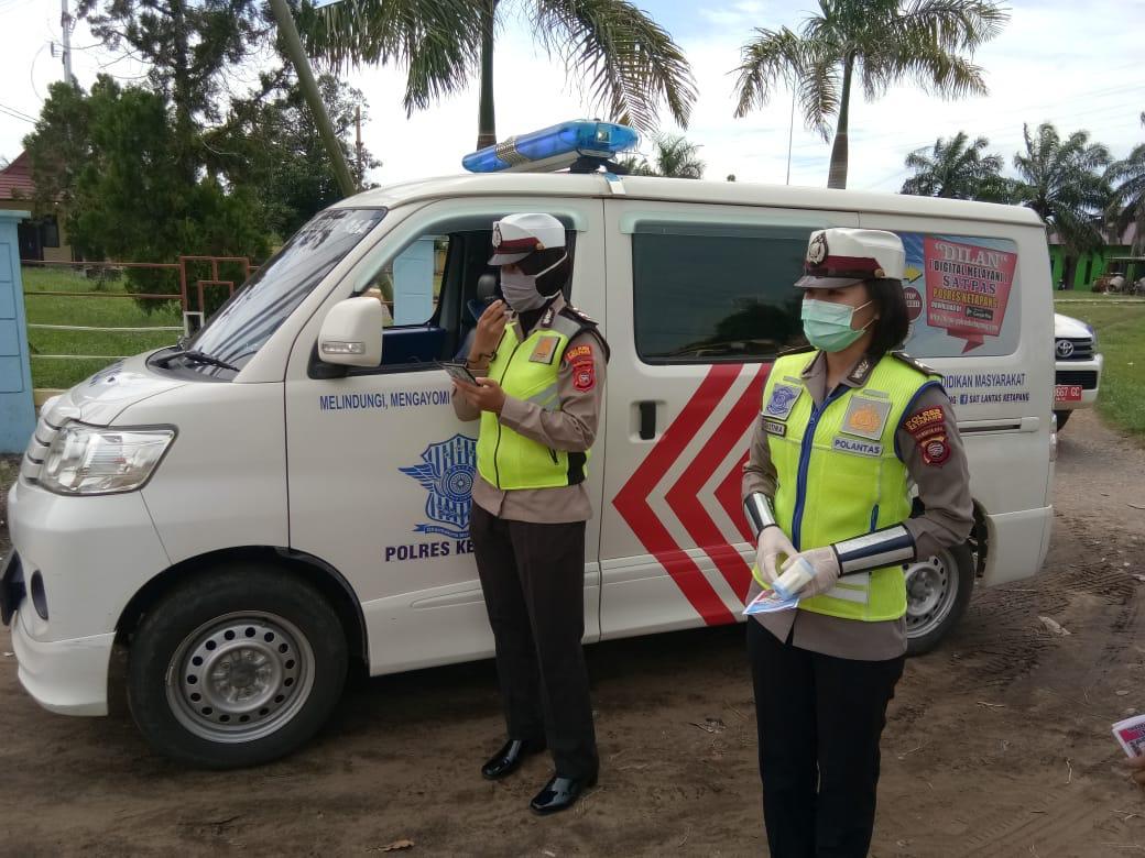 Satgas Ops Keselamatan Kapuas Polres Ketapang, Berikan Himbauan Pada Para Pengendara