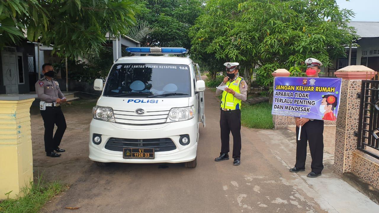 Satlantas Polres Ketapang Patroli Keliling Imbau Masyarakat Ketapang Cegah Penyebaran Virus Corona